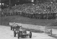 Brooklands Track and Spectators he255