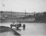 Ken Evans Alfa at Brooklands he262