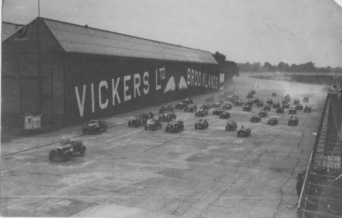 Brooklands Track he341